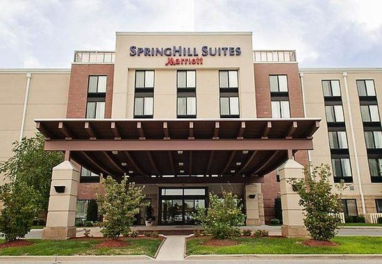 Springhill Suites Louisville Airport: Entrance