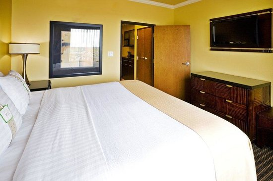 Holiday Inn Hotel &amp; Suites McKinney - Fairview: One-Bedroom Suites have king beds.