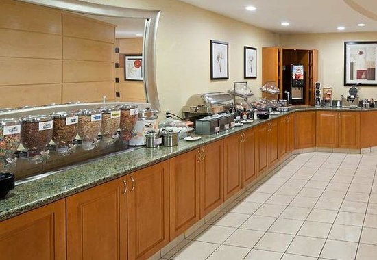 SpringHill Suites Midland: Breakfast Area