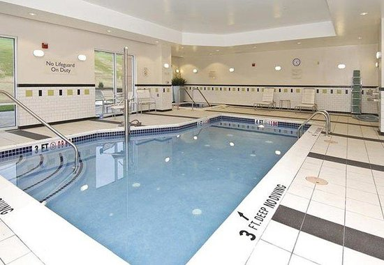 Bedford, Pennsylvanie : Indoor Pool &amp; Whirlpool 