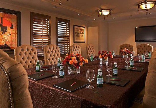 Grand Bohemian Hotel Asheville, Autograph Collection: Bavarian Boardroom