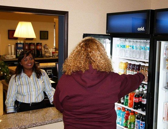 ‪‪Hampton Inn & Suites Stuart-North‬: Suite Shop‬