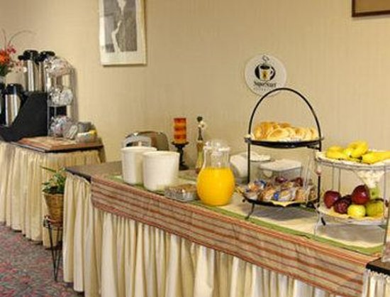 Super 8 Motel Alliance: Breakfast Area