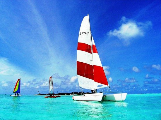 Anantara Veli Resort & Spa: Catamarans