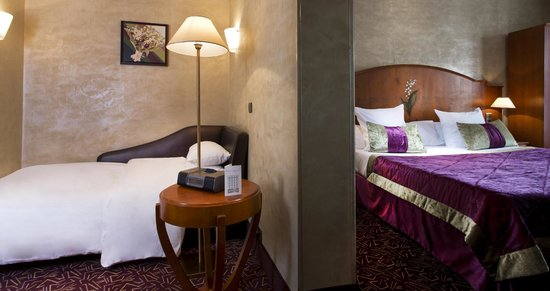 Hotel Muguet: Triple Room