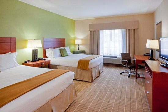 Holiday Inn Express Hotel & Suites Westfield : Double Bed Guest Room