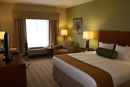 Holiday Inn Express Hotel & Suites Westfield : Room Feature
