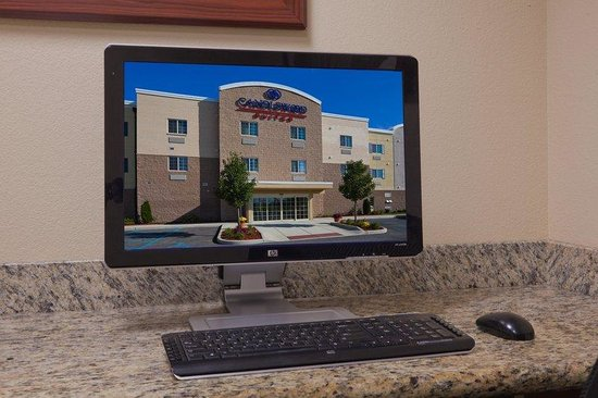 Candlewood Suites Perrysburg: Business Center Open around the clock.