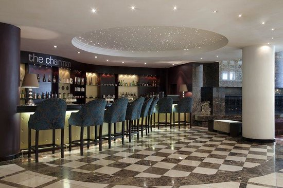 Holiday Inn Sandton - Rivonia Road: Chairmain Bar