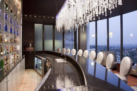 Holiday Inn Sandton - Rivonia Road: Skye Bar