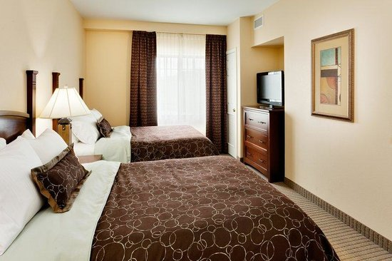 Staybridge Suites Harrisburg: Suite