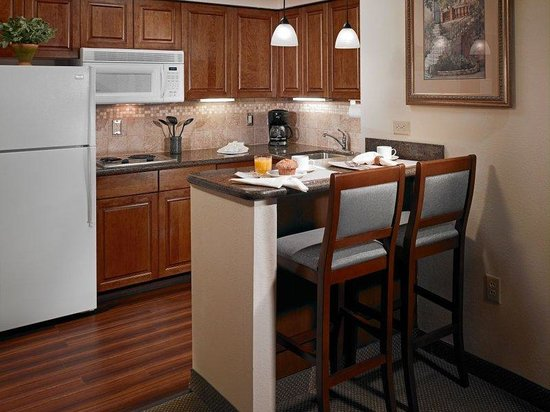Staybridge Suites Harrisburg: Everything you need to cook for one or the whole family.