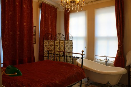 Villa Hagia Sophia: great bath tub!