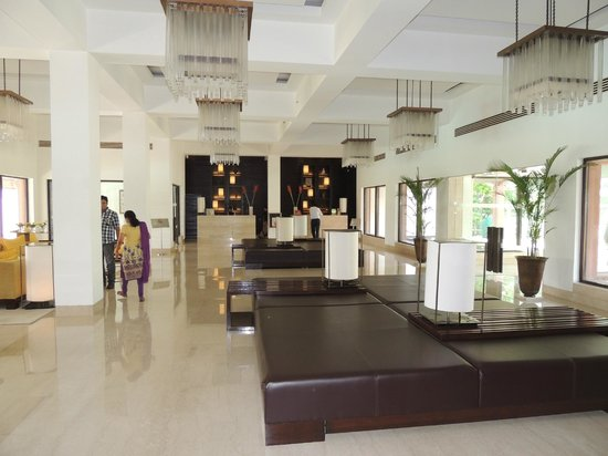 Trident, Agra : Reception