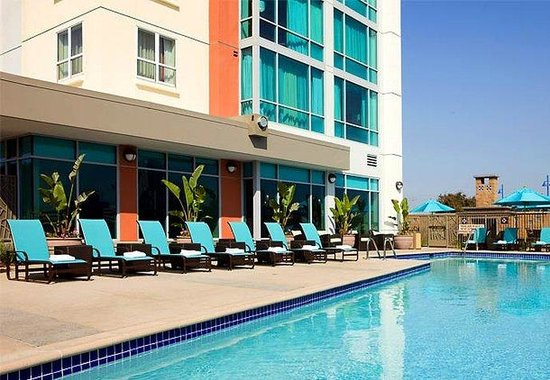 Residence Inn by Marriott Long Beach Downtown: Outdoor Pool