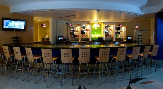 Radisson Hotel Yuma: Bar/Lounge