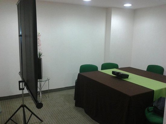 Holiday Inn Express Guadalajara Expo: Meeting Room