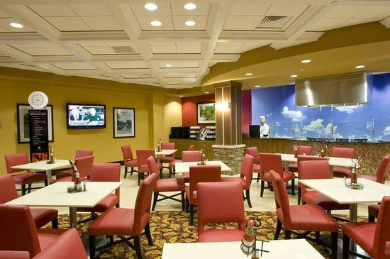 Embassy Suites Columbus - Airport: Buffet Restaurant