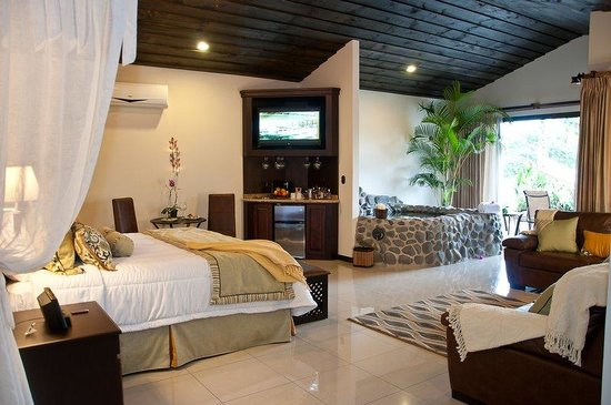 Arenal Springs Resort and Spa: MASTER SUITE