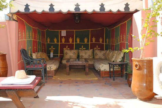 Riad Jonan: corner of the roof terrace