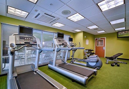Fairfield Inn &amp; Suites Milwaukee Airport: Fitness Center