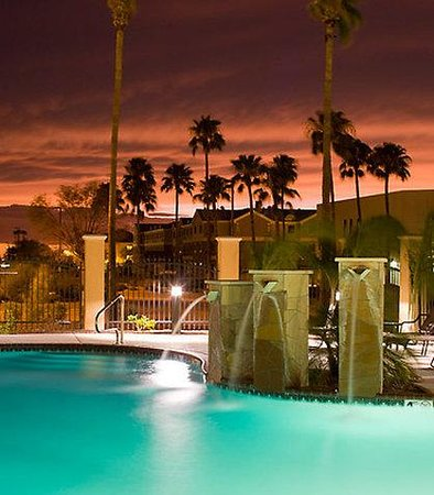 TownePlace Suites Tucson Airport: Pool Fountains