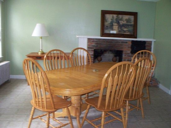 Tilton, NH: Farm House Living Area - House Rental