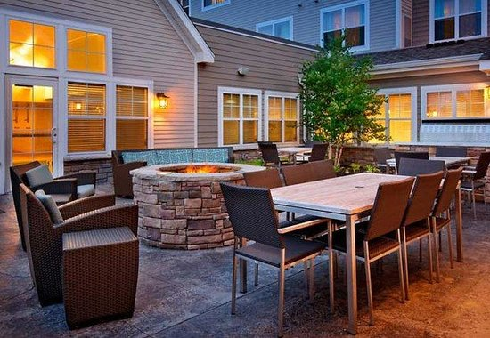 Residence Inn North Conway: Outdoor Fire Pit