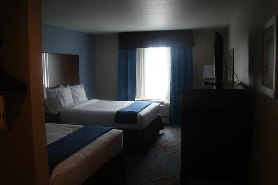 Holiday Inn Express Hotel &amp; Suites San Antonio NW Near Seaworld: Double Bed Guest Room
