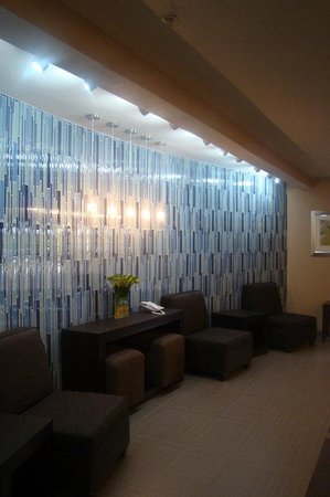 Holiday Inn Express Hotel &amp; Suites San Antonio NW Near Seaworld: Lobby