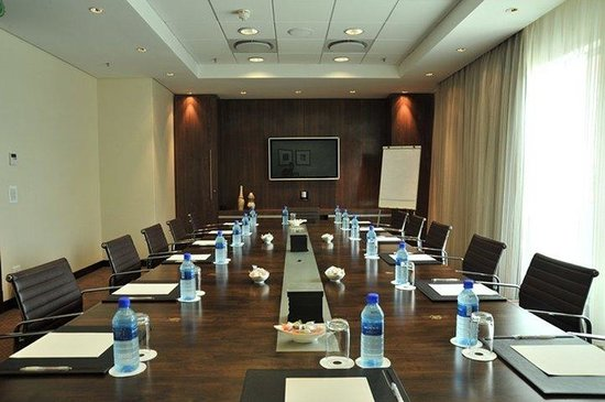 Rosebank, Afrika Selatan: Our spacious modern Board Room which caters for all business needs