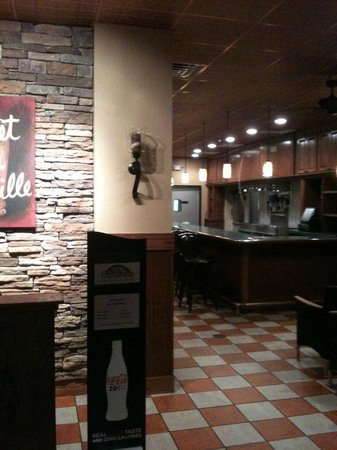 Port Wentworth, GA: Sweet Tea Grille&#39;s Waiting area and Bar