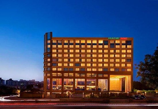 Courtyard by Marriott, Ahmedabad: Exterior
