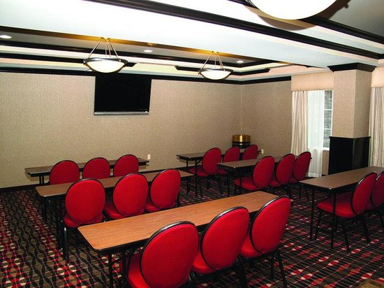 La Quinta Inn & Suites Conway: Meeting Room