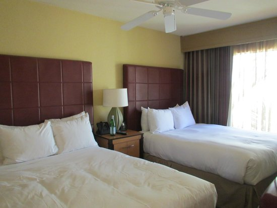 Pointe Hilton Squaw Peak Resort: One of the bedrooms in a two bedroom casita (upper floor)