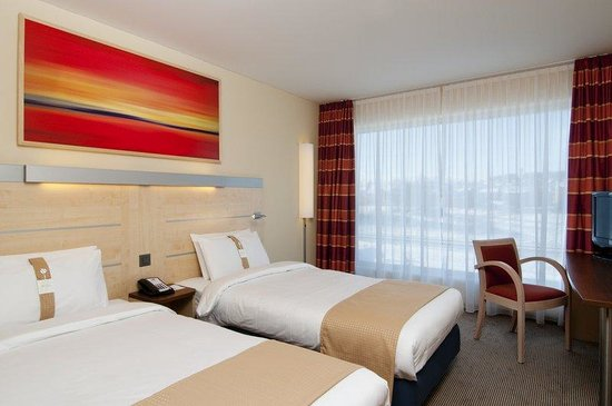 Holiday Inn Express Zurich Airport: Double Bed Guest Room