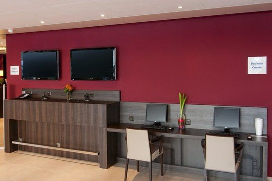 Holiday Inn Express Zurich Airport: Business Center