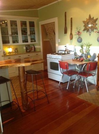 Hilo Bay B&B: a deliscious breakfast is served in a great environment