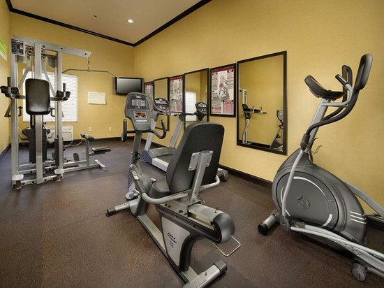 La Quinta Inn &amp; Suites Denton - University Drive: Fitness Center