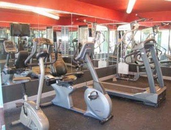 150 Seven Bridges Road: Fitness Center