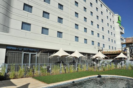 Holiday Inn Johannesburg-Rosebank: Swimming Pool