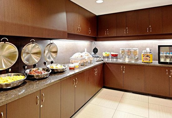 Residence Inn San Diego North/San Marcos: Breakfast Buffet