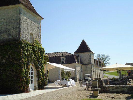 Monestier, France: Front of the Chateau
