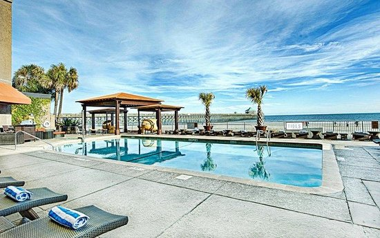 Tides Folly Beach: Outdoor Beachfront Pool