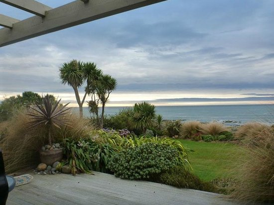 Kaka Point, New Zealand: early morning from terrace