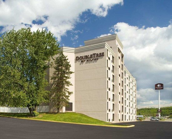 Photo of DoubleTree by Hilton Hotel Pittsburgh-Meadow Lands Washington