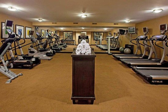 DoubleTree by Hilton Hotel Pittsburgh-Meadow Lands: Fitness