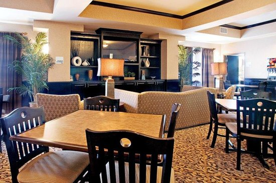 Holiday Inn Express &amp; Suites Corpus Christi: Breakfast Area