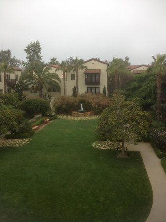 Estancia La Jolla Hotel & Spa: Court Yard