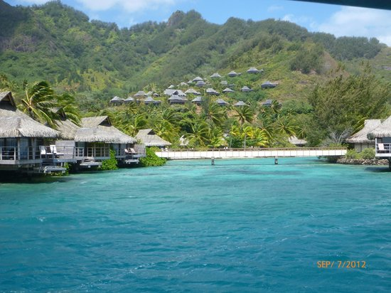 InterContinental Resort &amp; Spa Moorea: Our bungalow on the left. Those are partial above water bungalows (good enough eh?)